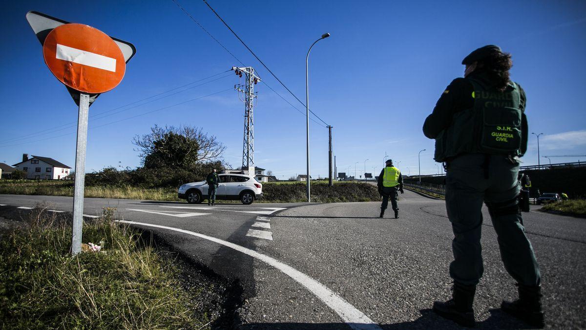 Controles de la Guardia Civil en Asturias.