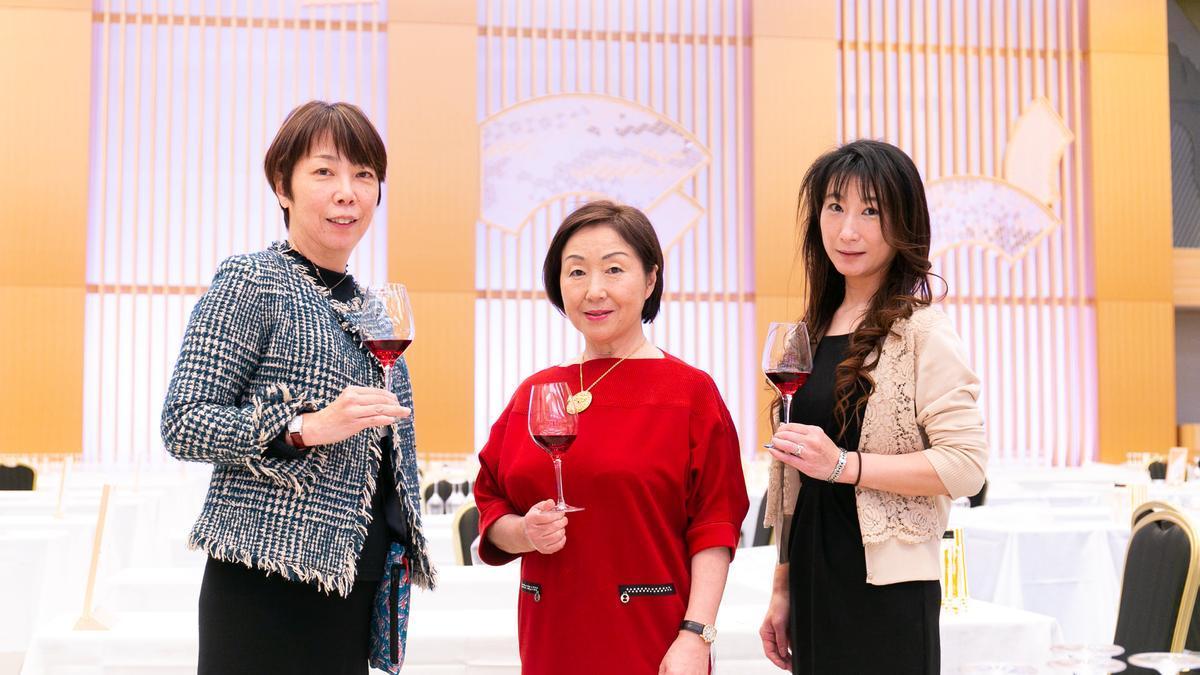 Catadoras de los influyentes premios Sakura en los que destacaron los vinos de Vicente Gandia.
