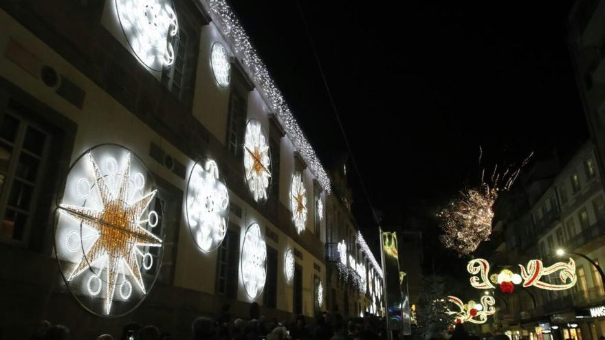 Multitudinario encendido del alumbrado navideño en Vigo