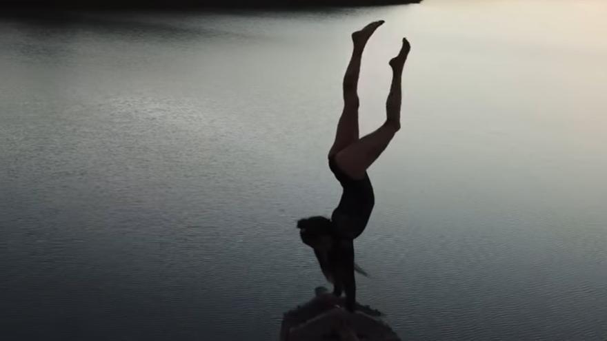 Las hipnóticas acrobacias en las Salinas de Janubio de Lanzarote