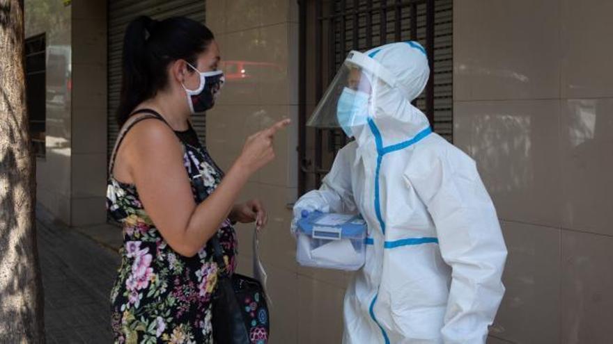 Cuatro muertos en Canarias en un día en el que descienden los contagios