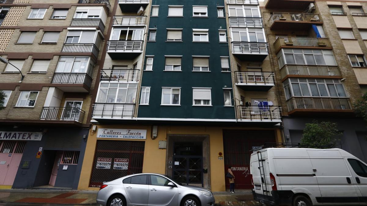 La vivienda de Las Fuentes donde ha sido asesinada la última víctima.