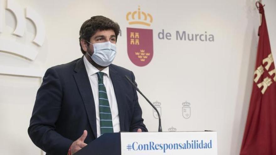 """López Miras sobre la dimisión de su consejero de Salud: """"Me toca decir adiós a un hombre admirable"""""""