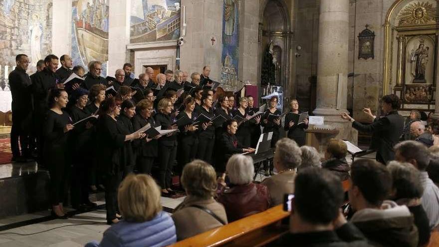 Una emotiva armonía en homenaje al tenor Soto