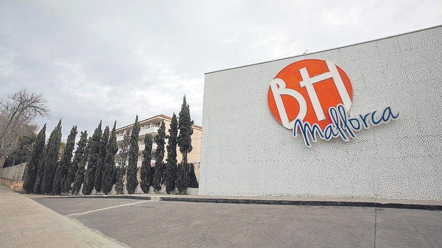 Matutes rechaza vender los hoteles que alquila a Cursach