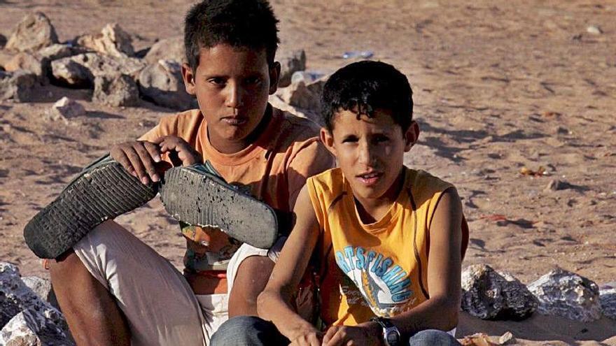 Dos niños saharauis en los campamentos de Tinduf.