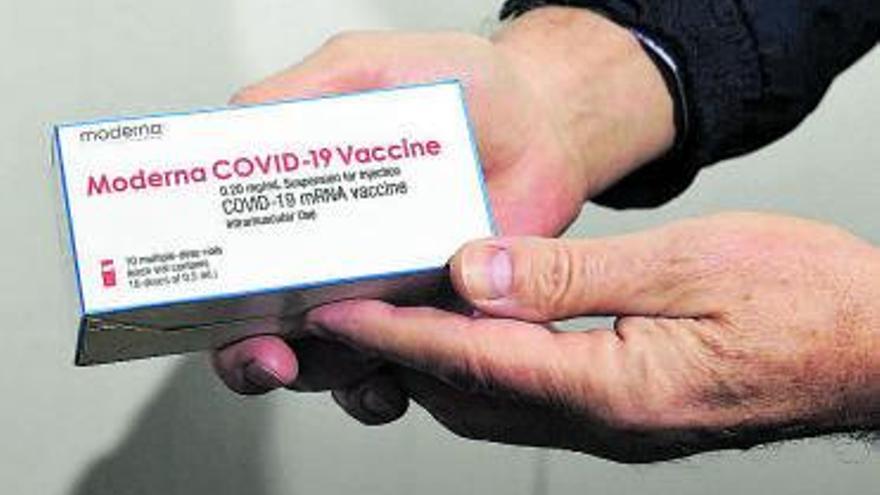 Las primeras dosis de la vacuna de Moderna llegan a España procedentes de Bélgica