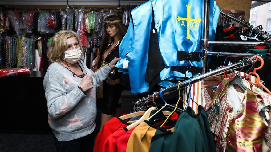 """Las tiendas de disfraces, tras un Antroxu desastroso: """"Es desolador"""""""