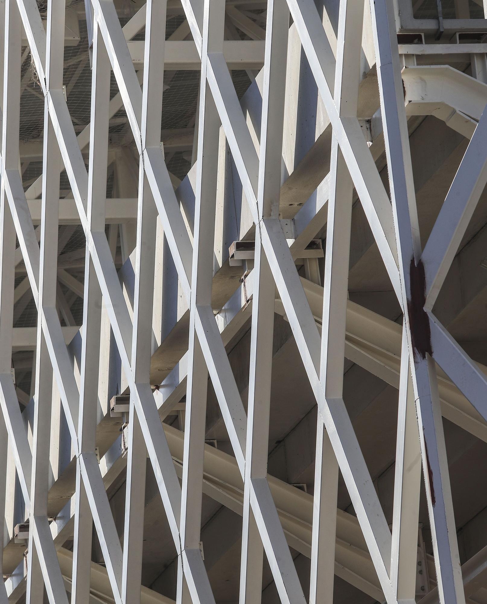 El polideportivo de Nou Moles: un coloso emerge en el barrio