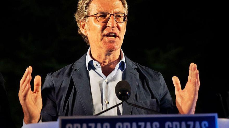 Feijóo receta al PP nacional que amplíe su base ideológica y aglutine el centroderecha