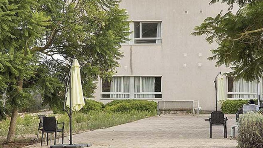 El brote de covid deja bajo mínimos al personal de la residencia de Sant Joan