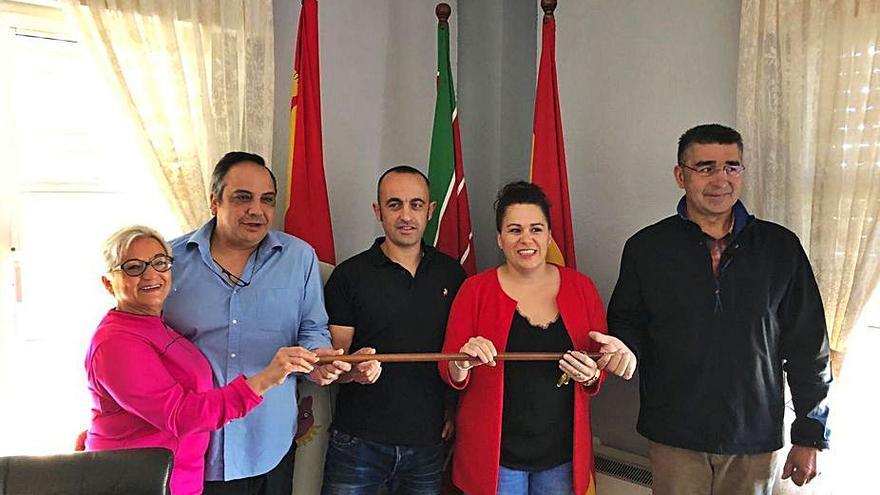 Dimite Iván Santiago Hurtado como concejal del Ayuntamiento de San Vitero