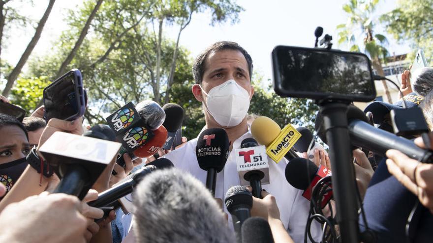 La oposición vota en rechazo a las últimas elecciones organizadas por Maduro