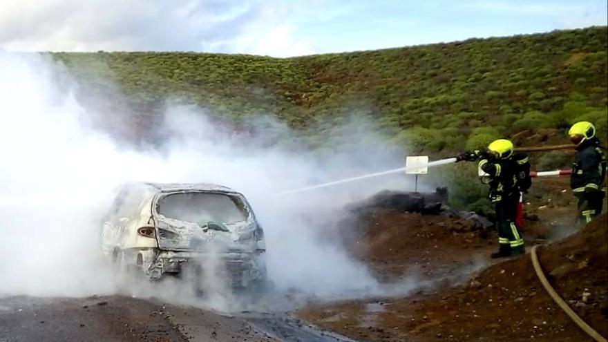 Incendio de un vehículo en Gran Canaria sin daños personales