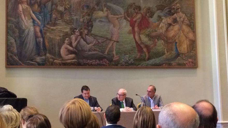 Eduard Puig Vayreda omple el Cercle Sport de Figueres en la presentació del seu llibre