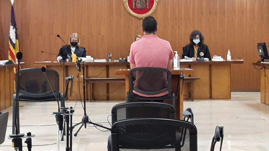 Piden nueve años de cárcel para el acusado de intentar matar a un hombre clavándole una botella rota en el pecho
