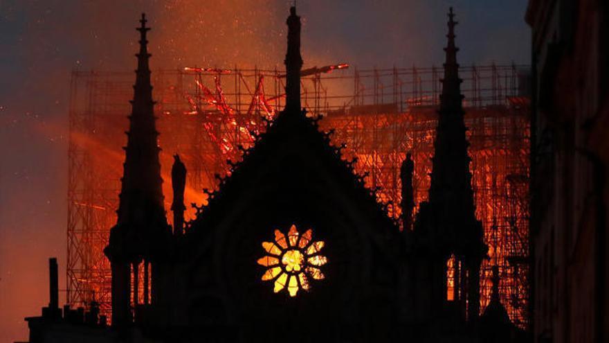 Macron mantiene el objetivo de reconstruir Notre Dame en cinco años