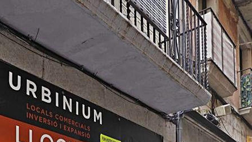 Només vuit baixos comercials s'han convertit en pisos en dos anys