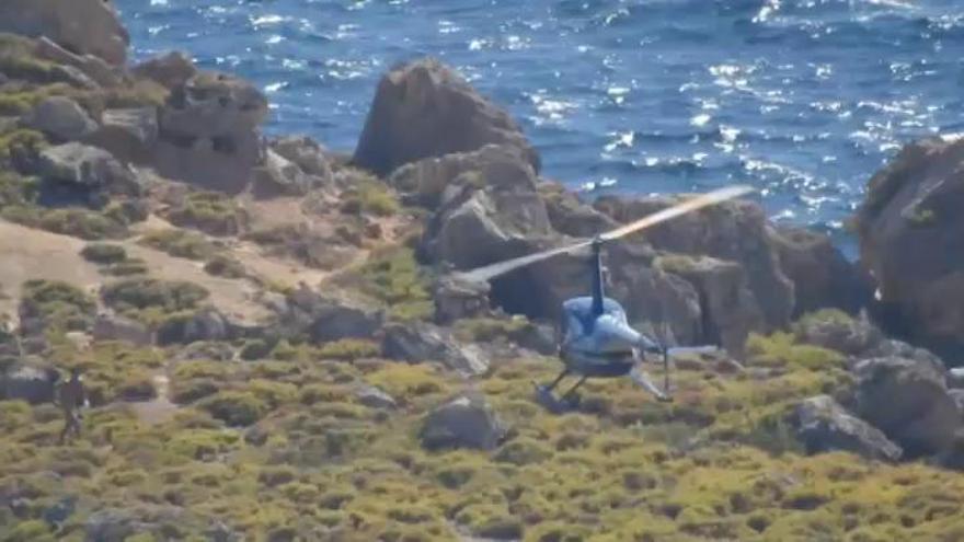 En helicóptero para bañarse en un área protegida