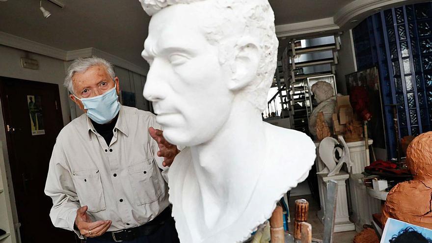 Gijón baraja varios emplazamientos para colocar la estatua de Quini