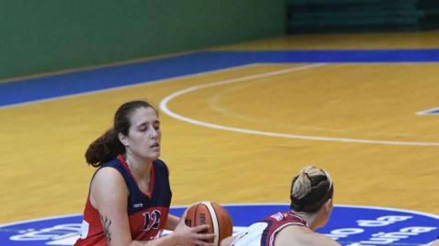 Universitario Ferrol y Gernika, en la final del Teresa Herrera