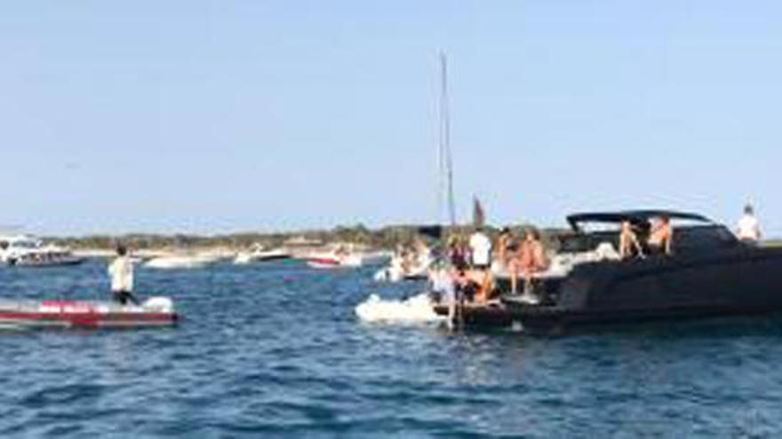 Muere un bañista tras ser arrollado por una lancha en Formentera