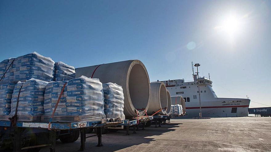 Los puertos de  las islas movieron  un 24% menos de mercancías en 2020