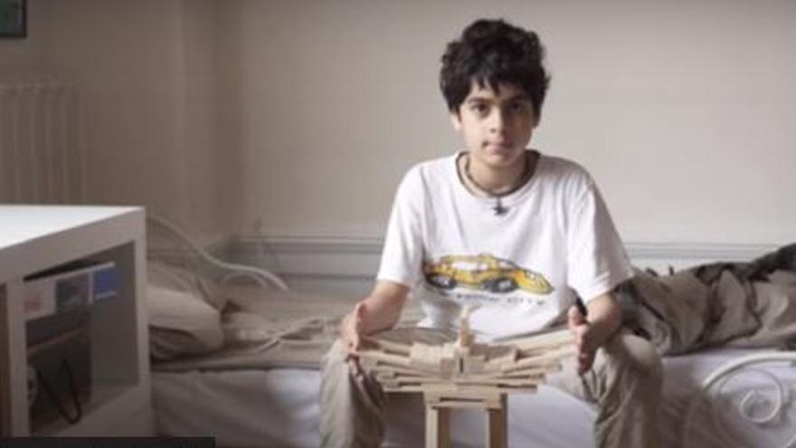 Un joven inglés que veranea en Mallorca pide ayuda para vencer la leucemia