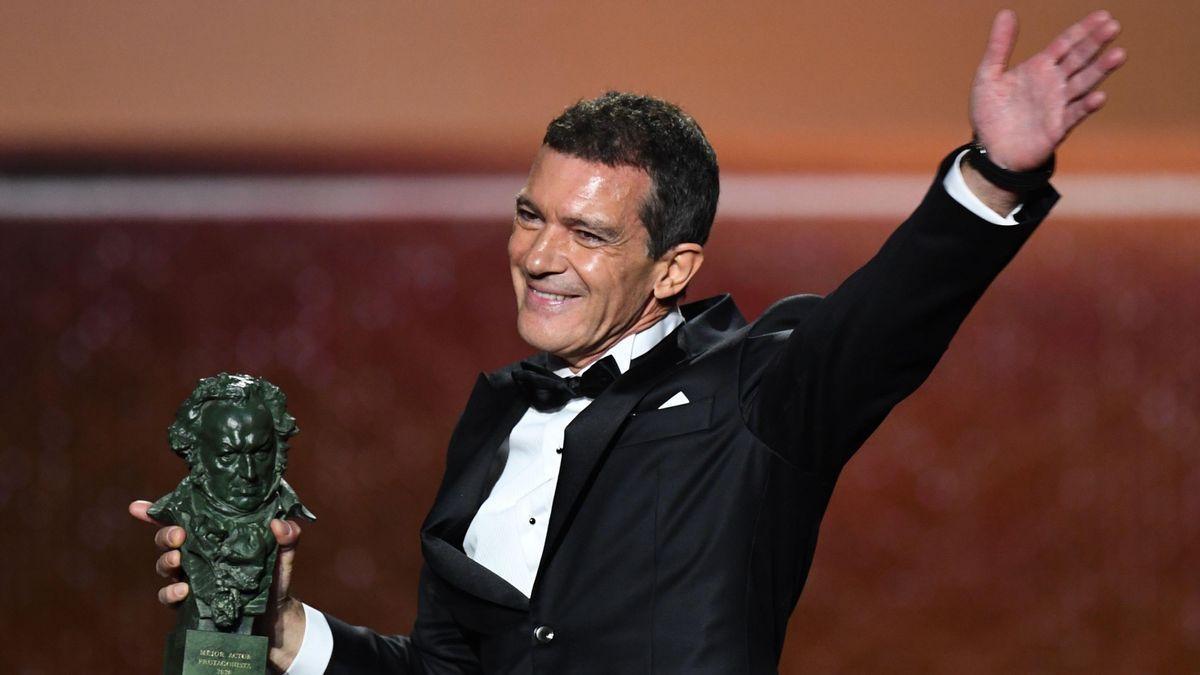 Antonio Banderas, amb el Premi Goya per 'Dolor y Gloria', l'any 2020.