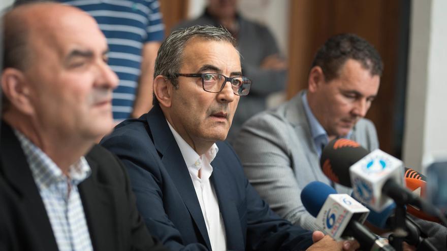 El gobierno ariquero acusa al PSOE local de «rendir pleitesía a sus jefes del Cabildo»