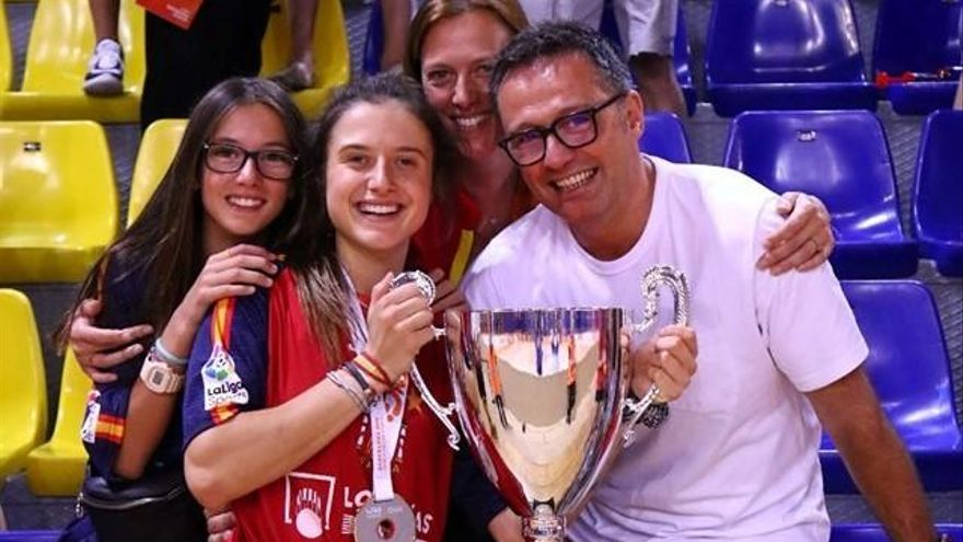 María Sanjurjo, campeona del mundo con España