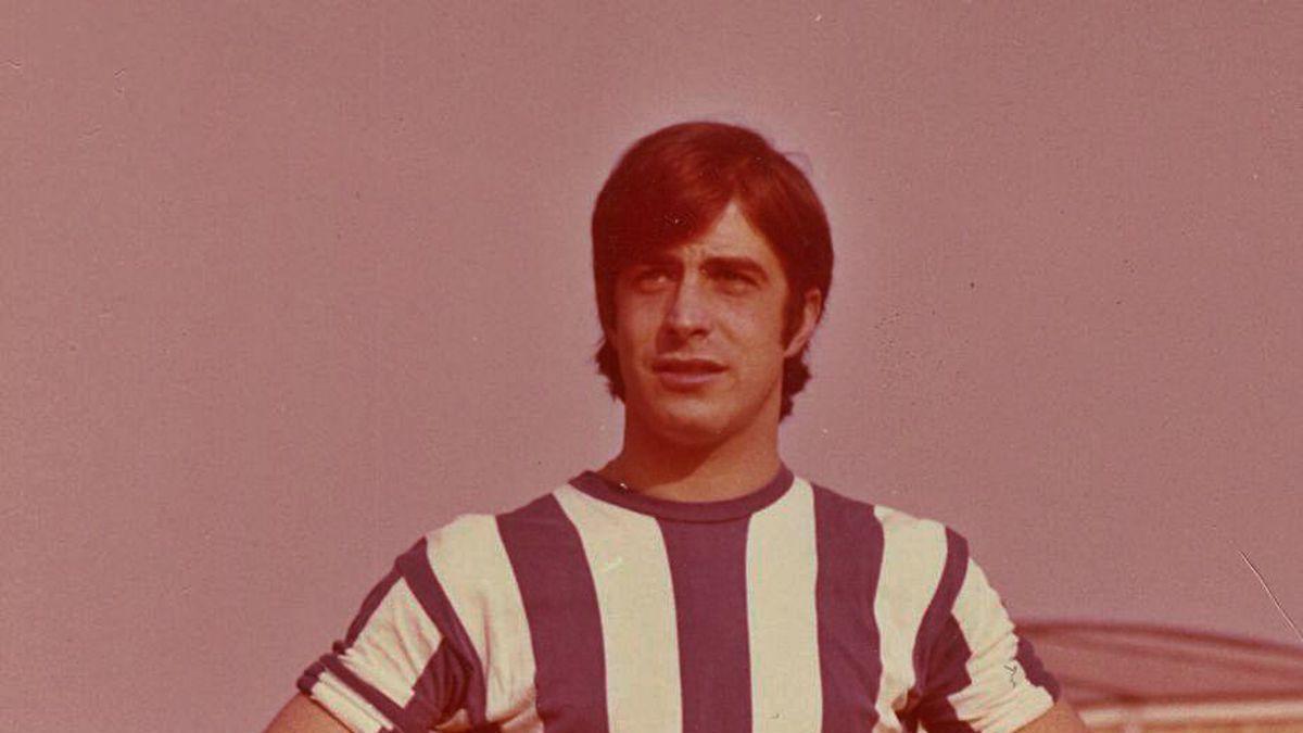Piño, coa camiseta do Deportivo.