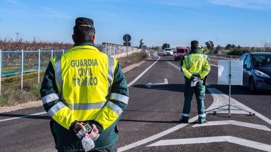 La Guardia Civil para a 136 motos en Zamora y solo una es denunciada