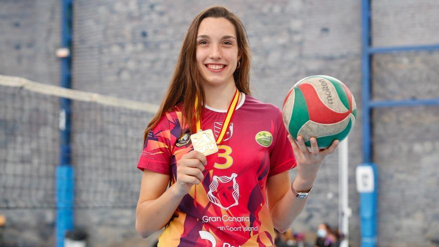 Raquel Montoro, lista para debutar en la Liga de Campeones de voleibol