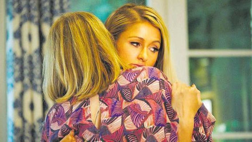 Paris Hilton revela que sufrió 'bullying' en su juventud