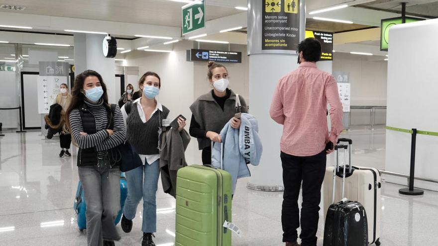 Los españoles viajaron un 24,5% menos en verano