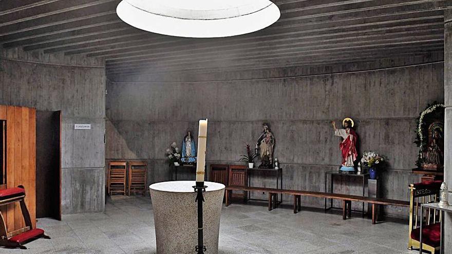 Baptisterio con luz cenital. |  // VÍCTOR ECHAVE