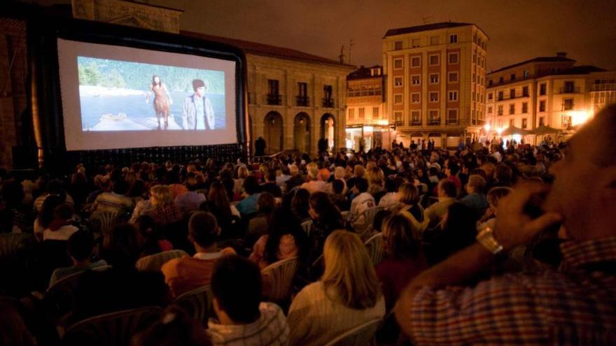 La agenda del fin de semana en Asturias: cine al aire libre, monólogos, conciertos y danza