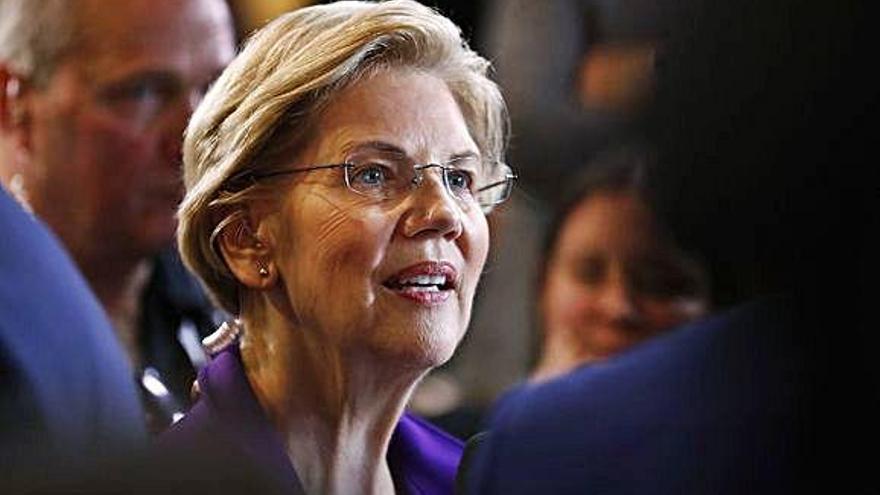 Warren se consolida como la rival a batir en el cuarto debate de los demócratas