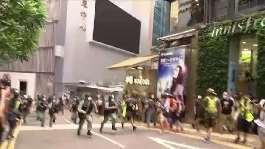 Hong Kong estrena su nueva ley con 300 detenidos