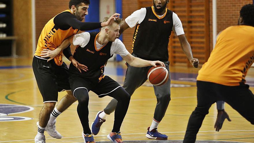 El Oviedo Baloncesto amarra a su todoterreno: Bartolomé continuará un año más
