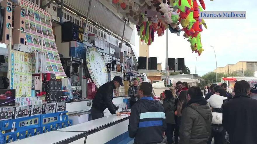 Miles de personas disfrutan de la Fira del Ram