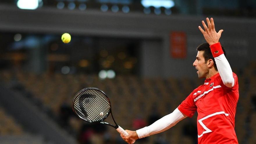 Nadal fa el 12+1 a París i caça Federer en el «Grand Slam»