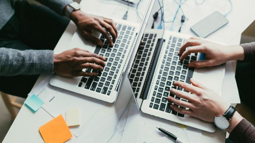 Brecha digital que empobrece
