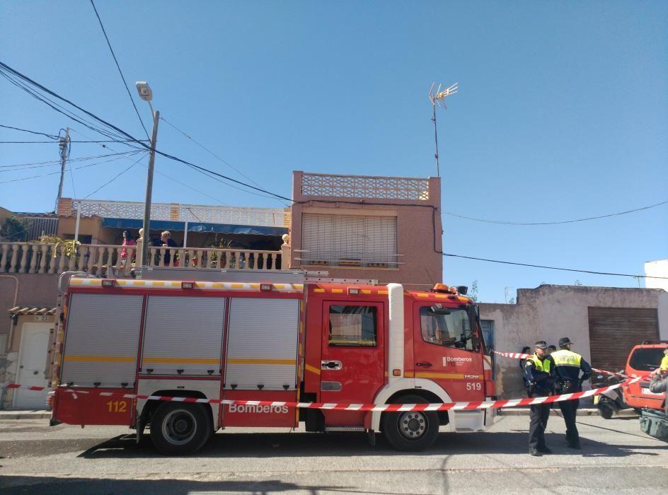 Un joven resulta herido grave en un incendio en Elche