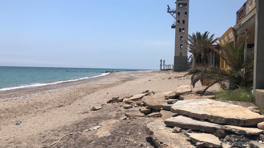 """Nules repara sus playas por la """"inacción total"""" de Costas"""