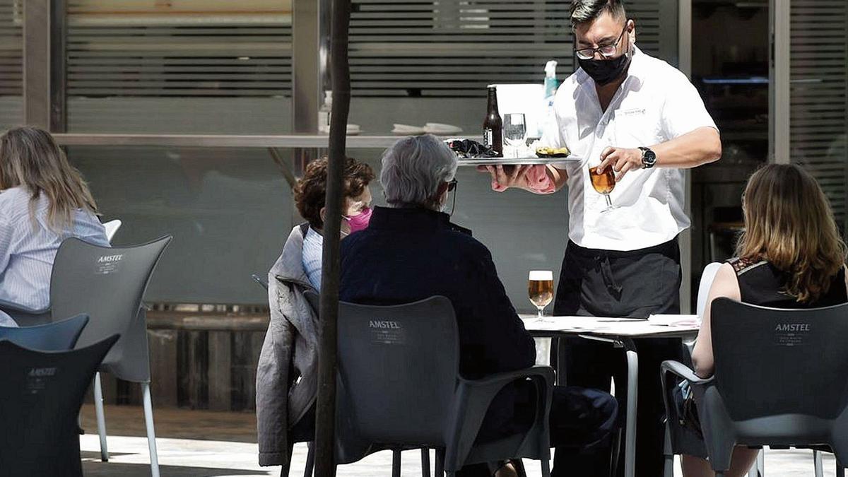 El sector de la hostelería concentra la mayor de los afectados por ertes relacionados por el covid-19 en Aragón.