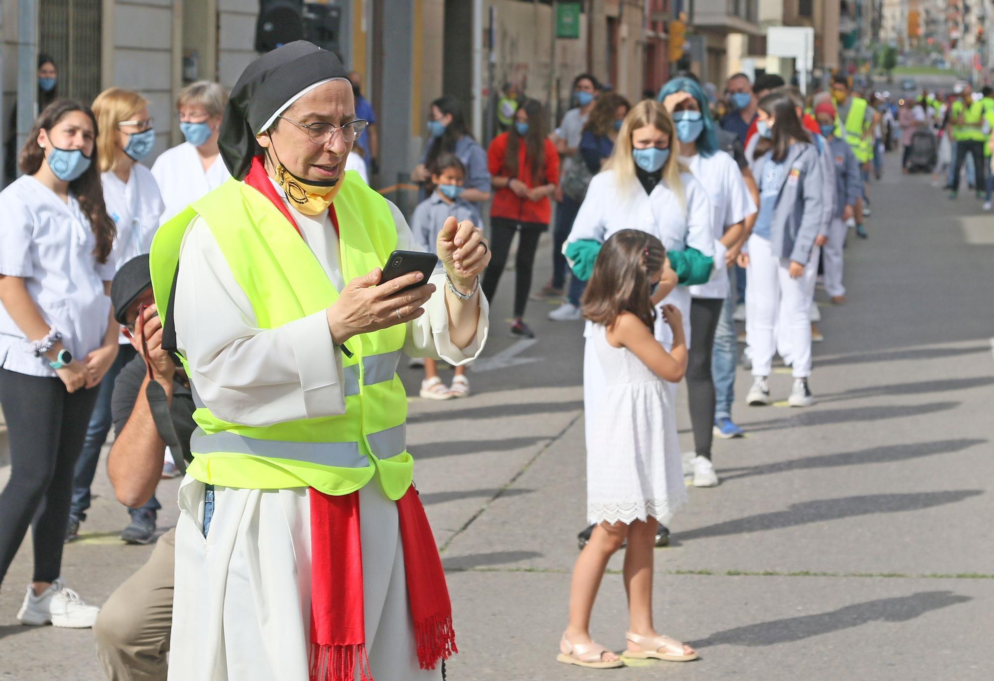600 voluntaris fan un videoclip a Manresa en agraïment al personal sanitari