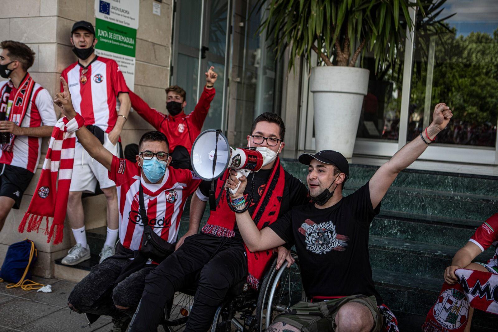 GALERÍA | Las imágenes del Zamora CF en Badajoz