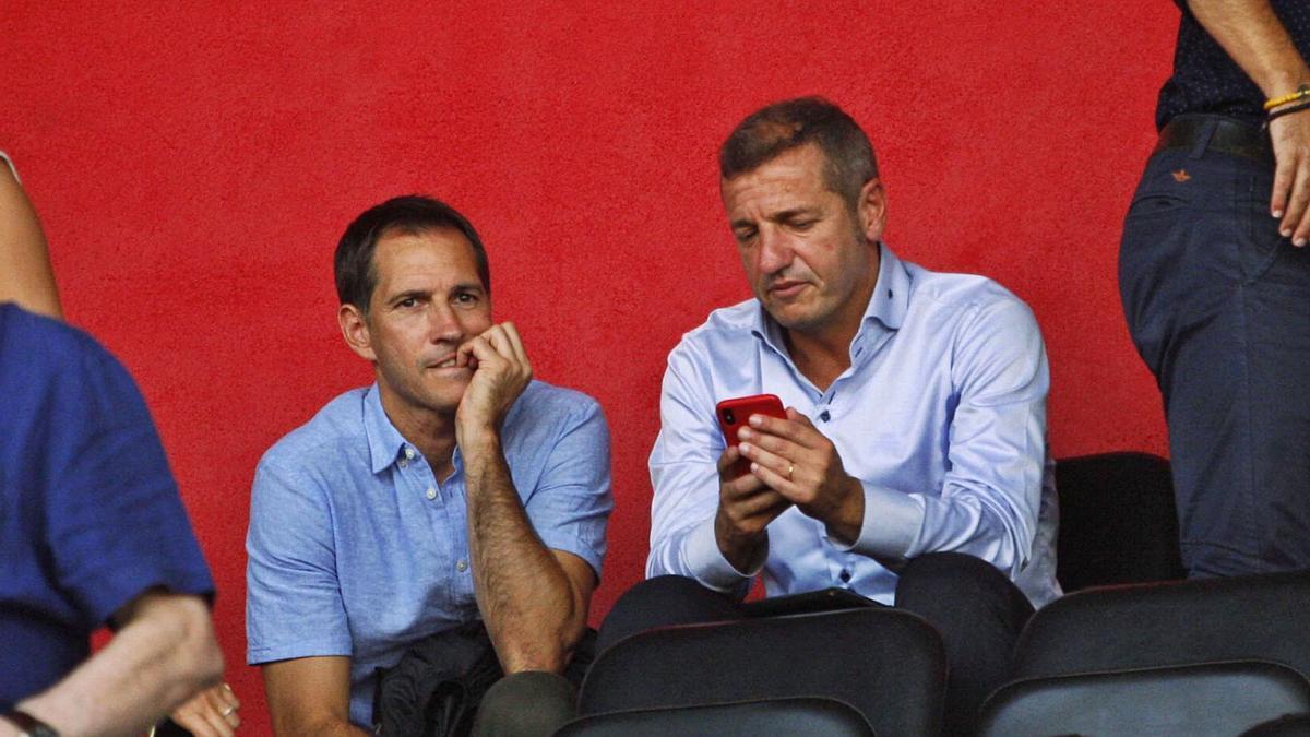 El telèfon del director esportiu, Quique Cárcel, tornarà a treure fum durant les properes setmanes.